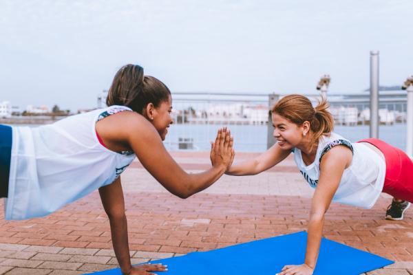 Outdoor-City-Yoga